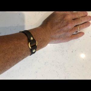 Jewelry - 🌸Leather and brass bracelet